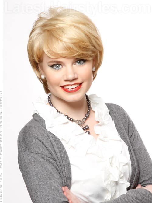 30 Superb Short Hairstyles For Women Over 40-11