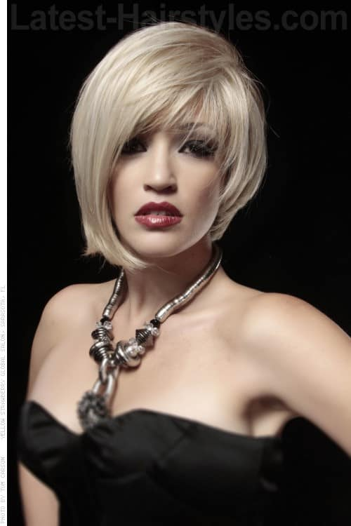 30 Superb Short Hairstyles For Women Over 40-8