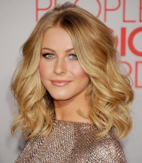 A Touch of Waves-Medium Hairstyles To Make You Look Younger-8