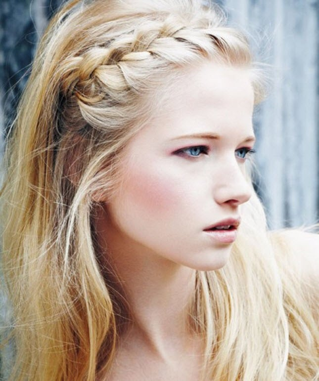 Braided Headband-Best Hairdo Ideas for Busy Young Women-5