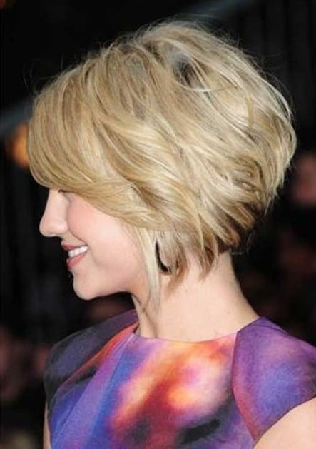 Chic stacked Bob for that mysterious look-15 Short Hairstyles for Women-14