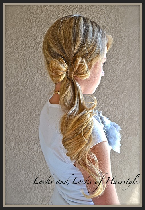 Clothesline Bow-Best Hairdo Ideas for Busy Young Women-12
