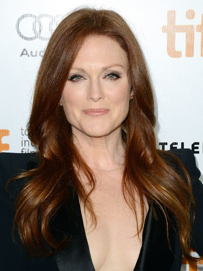 Julianne Moore Longish hair-10 Short Hairstyles For Women Over 50-8