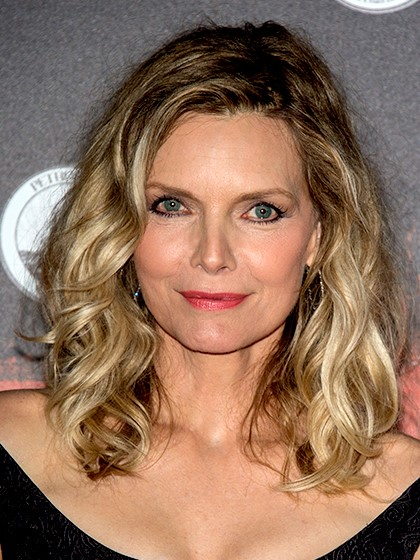 Michelle Pfeiffer Collarbone Length hair-10 Short Hairstyles For Women Over 50-6