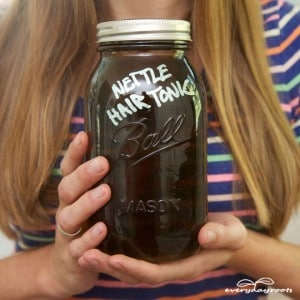 Rub with juice-Ways to Stimulate Hair Growth Naturally-2