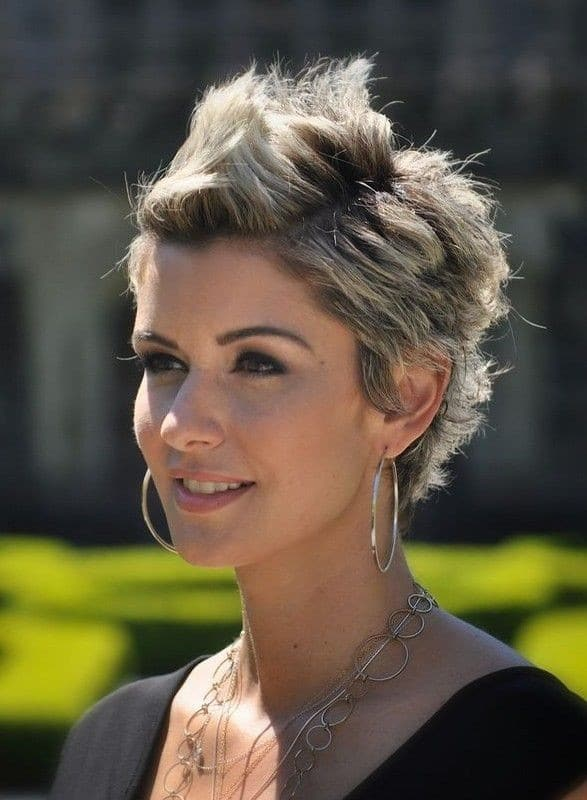 Short Pixie Mohawk-12 Short Bob Haircut Styles-9