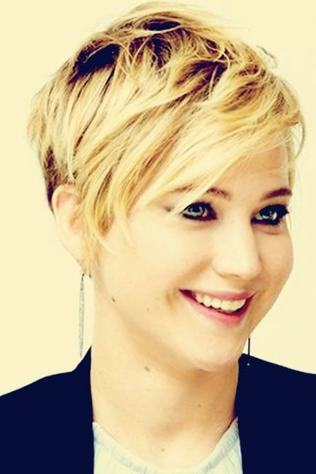The cute pixie style brings back memories of the teens-15 Short Hairstyles for Women-7