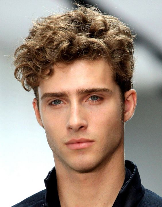 Curly hairstyle for guys with thick hair