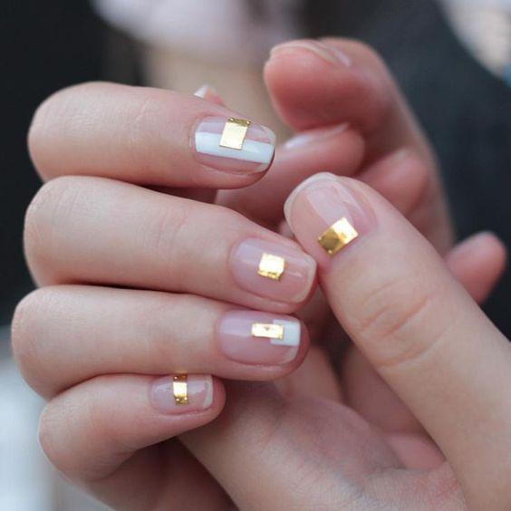 20 Simple and Beautiful Minimalist Nail Art Ideas